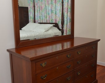 Craftique Double Dresser (#760) with mirror