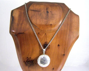 Vintage Sterling Silver Locket Necklace, Engraved Silver Locket, Silver Round Locket, 24 Inch Chain