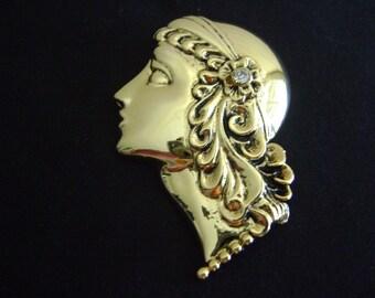 Roman Girl Brooch