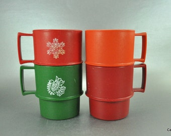 Vintage Tupperware Stackable 8 Ounce Coffee Mugs Set of 4 Cups Red Orange Green