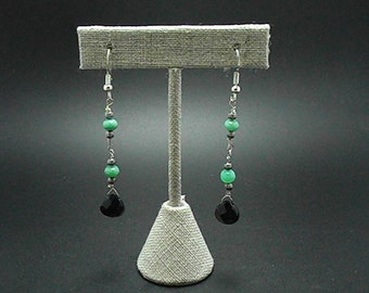 Chrysoprase  and Black Onyx Dangle Earring