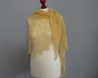 Hand knitted lace shawl, Light yellow  merino wool lace shawl, Flower pattern