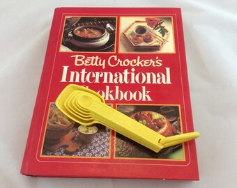 Vintage Betty Crocker International Cookbook