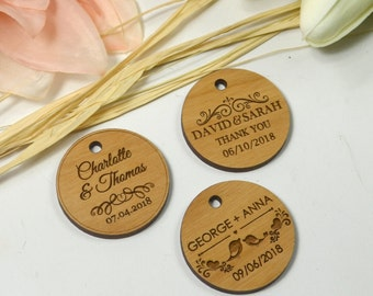 25 x Engraved Wooden Circle Wedding Gift Tags with Raffia Tie