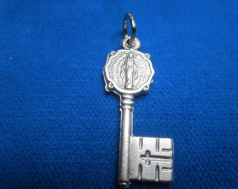 Miraculous KEY medal. Implored for Graces, Favors and Healing of the body and soul .