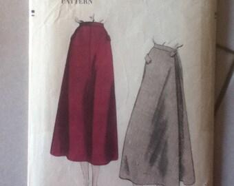"""Vintage Vogue Skirt Pattern 3224   Size: Waist 25"""", Hip 34"""""""