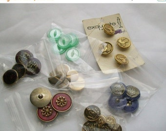 Vintage sewing buttons - 32 assorted buttons - sewing supplies - buttons - assorted button lot - supplies - sewing