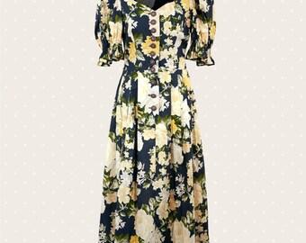 1970s Vintage flower dress