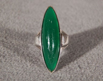 Vintage Sterling Silver Huge Marquise Shaped Green Agate Band Ring, Size 5      **RL