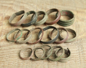 set of 15 Antique rings ... antique jewelry ... found objects ... vintage ring ... excavations finds ... diggind finds