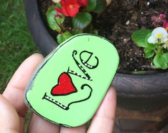 Love painted beach rock, art painted stone, art painted rock, heart artwork, heart painted rock, boho decor, beach decor