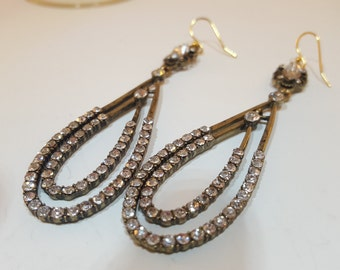 Antique gold bedazzled earrings.