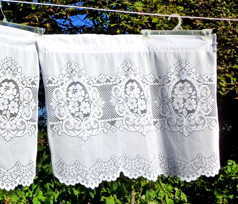 Vintage 3 Piece Set Lace Café Curtains Rose Panels And Valance
