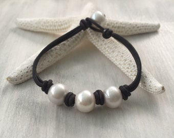 leather pearl bracelet, gift for her, pearl bracelet, leather bracelet, freshwater pearl bracelet, leather pearl