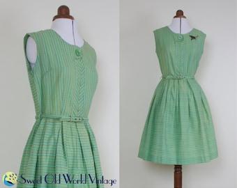 Vintage 50s Green Cotton Dress     1950s Roxanne Fashions    Full Skirt    Floral Pattern    Sleeveless    w Belt    Small-Medium, Size 8-10