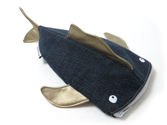 Pencil case fish jeans upcycling for Fish pencil case