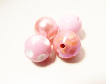 D-01224 - 4 Acrylic beads Bubblegum 20mm