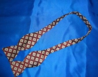 Bow Tie Deep Red & Cream Adj Sizing