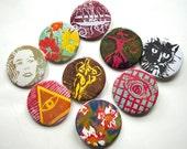 BUTTON GRAB BAG (8 buttons)