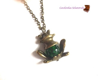 necklace frog green