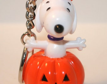 Snoopy Key Chain, Vintage Snoopy Key Chair, Snoopy Great Pumpkin, Peanut's Key Chain, Vintage Snoopy, Snoopy the Dog, Snoopy Halloween