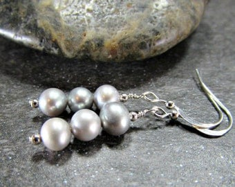 Gray Pearl Earrings, Sterling Silver Earrings, Pearl Drop Earrings, Freshwater Pearl Bridesmaid Earrings, Beach Jewelry, Girlfriend Gift