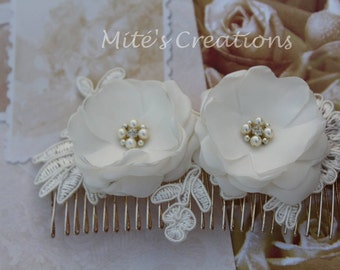 Ivory Hair Comb/Bridesmaids/Bride/ Flowergirl/Special Event