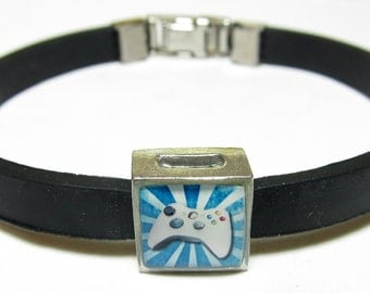 Video Game Controller Link With Choice Of Colored Band Charm Bracelet