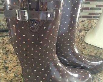 Rain boots size 6
