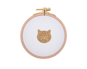 Cute little cat face on Wall frame - White and gold - Cat face - Cute cat - House - Houseware - Decoration - Love - Christmas