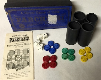 Vintage Game - Parcheesi - Set of Wood Pieces - 1940s