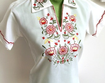 1970s White Cotton Embroidery Blouse *Free Shipping*