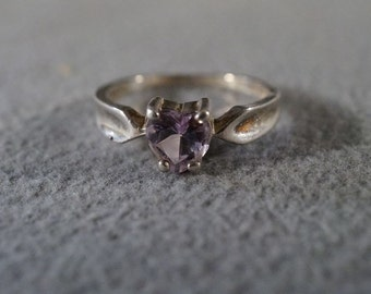 Vintage Sterling Silver heart Amethyst Wedding Band Ring, Size 7 Jewelry **RL