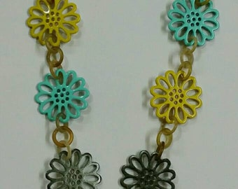 Flowers horn necklace