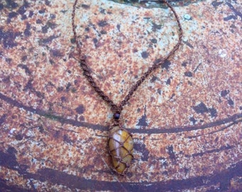 beautyful handmade natural healing necklace