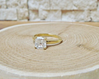 1.8 Carat Cushion cut cz set in 14K Yellow Gold ring, Size 6