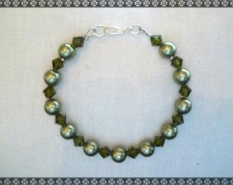 green bracelet, Swarovski bracelet, crystal bracelet, light green bracelet, swarovski