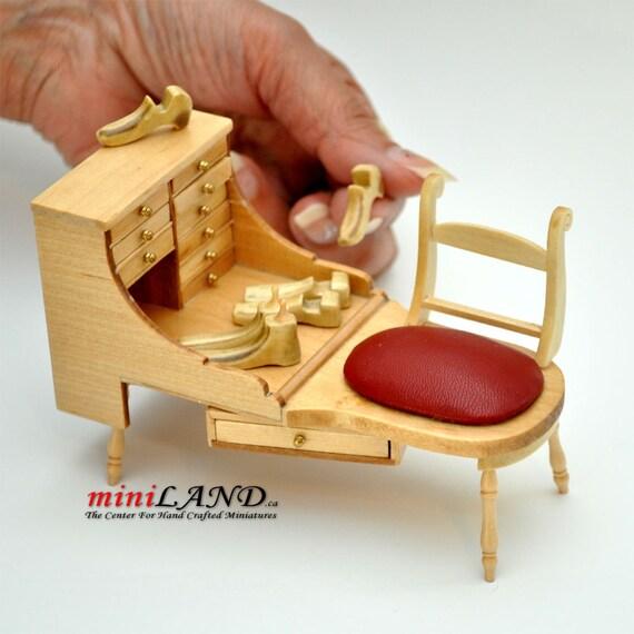 Quality Cobblers Shoemaker Bench Dollhouse Miniature 1:12