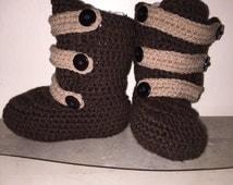 Crochet strap booties