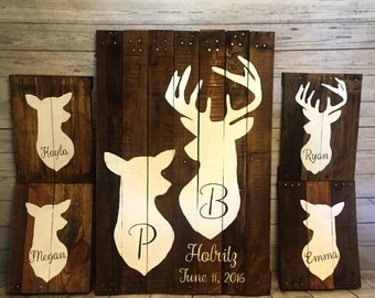 Family Deer Sign- Recycled pallet Deer Sign- Reclaimed wood doe and deer Family- rustic home decor- Hunting decor- Cabin life- Cabin sign