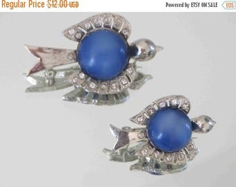 20% OFF Pair of Vintage Blue Moonglow Bird Brooches