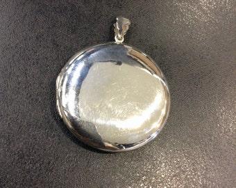 Locket ,Silver large round locket
