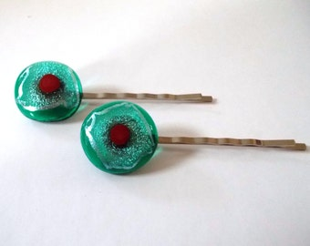 Green and red dichroic glass decorated bobby pins. Pair of dichroic glass bobby pins. Hair pins. Hair clips.