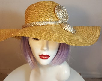 FREE  SHIPPING  Whittall & Shon Hat