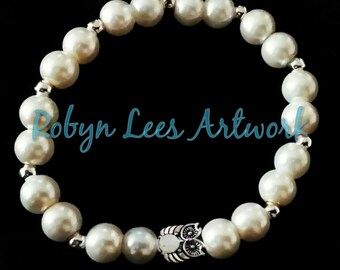 Cute White Cream Pearl Beaded Bracelet with Cream Pearl Beads, A Small Silver Owl and Silver Spacer Balls