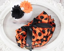 Black and Orange Polka Dots Satin Ruffled Baby Bloomers-Baby Girl Outfit- Cake Smash Outfit-  Halloween outfit - baby Halloween costume