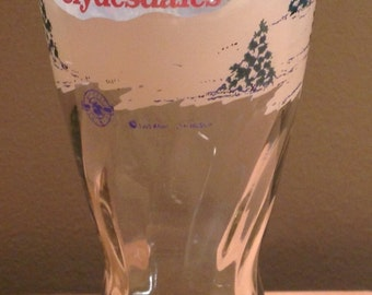 Vintage 1995 Budweiser Clydesdale Horses Anheuser-Busch Beer Glass. Measures approximately 6 3/4 inches tall with 3 inch diameter at rim. Fu