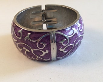 Beautiful Chunky Silvertone Scroll/Vine and Purple Enamel Clamper Bracelet
