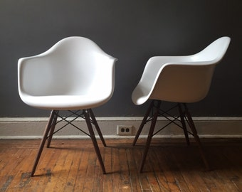 Mid century modern shell chair Eames shell chair fiberglass eifel base herman miller style