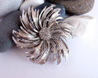 Flower Brooch - 1980s - Silvertone